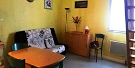 Joli studio mezzanine dans un cadre verdoyant
