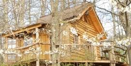 La cabane perchée dans les arbres dans le Madiran :