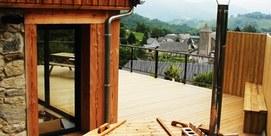 Maison moderne avec vue sur la montagne