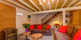 Maison de caractère totalement rénovée cosy et élégante à Saint-Lary
