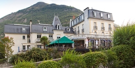 Charming hotel in Luz Saint Sauveur downtown