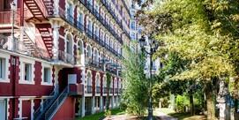 Hotel-Spa style «Grand Siècle» en un parque con vistas sobre el Santuario, en Lourdes