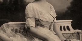 MUSEE 1900