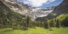 On the route of the four wonders of the Pyrenees
