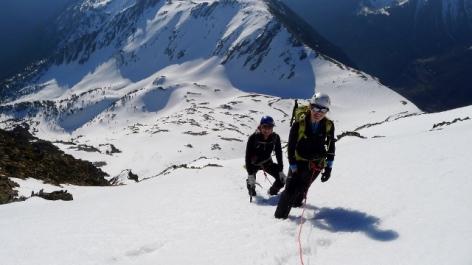 0-Alpinisme-hivernale-1-BUREAU-DES-GUIDES-WEB.jpg
