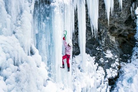 3-Cascade-de-glace-1-BUREAU-DES-GUIDES-WEB.jpg