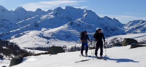 6-Ski-de-randonnee-1-BUREAU-DES-GUIDES-WEB.jpg