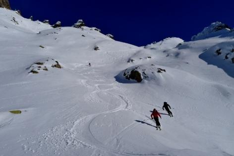 7-Ski-de-randonnee-2-BUREAU-DES-GUIDES-WEB.jpg