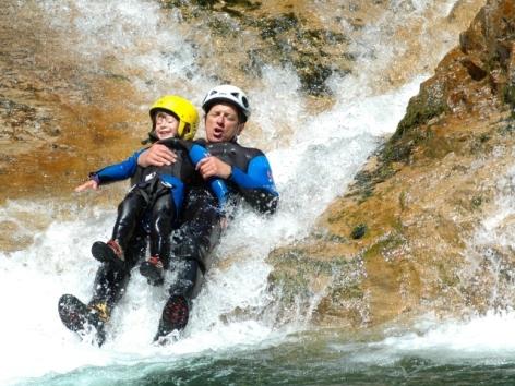 3-Sarrat-famille-canyon.JPG