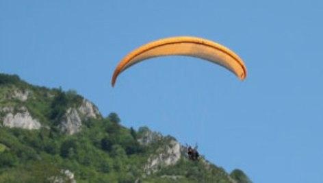 2-parapente-pyrenees-1-.jpg