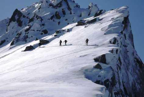 2-ski-rando-1-Bureau-des-Guide.jpg