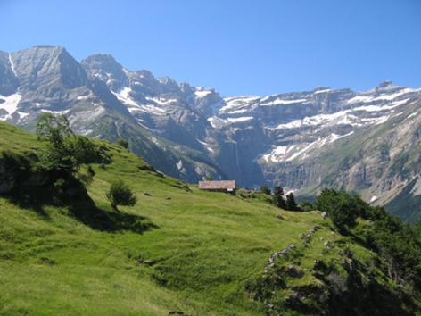 4-vue2-natura-ayrosarbouix-HautesPyrenees.jpg