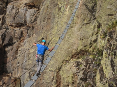 5-GUIDES--MAYSTRE-Alain--via-ferrata-2.jpg