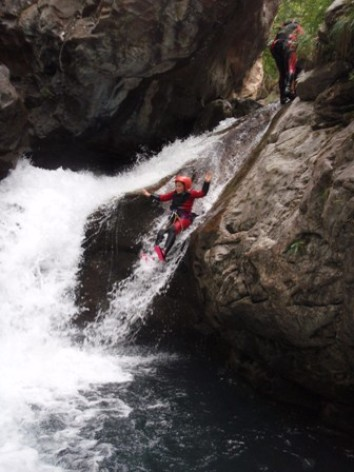 1-canyoning2pavillondessensations-agosvidalos-HautesPyrenees.jpg