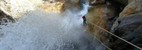 2-canyon-technique-ou-sportif-pyrenees-autrement.jpg