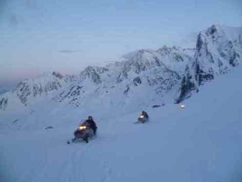 3-moto-neige-de-nuit.jpg