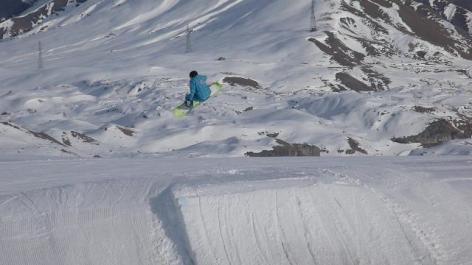 2-SAUT-SNOWBOARD-ECOLE-DE-SKI-DE-SNOWBOARD.jpg