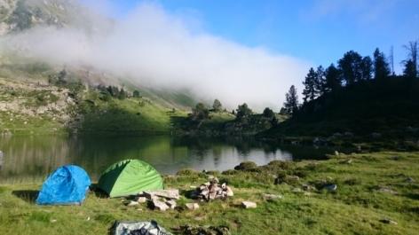 9-ToussaintDamienPeche-en-lac-de-montagne.JPG