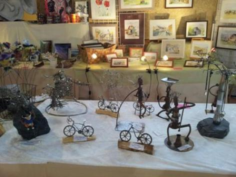 3-Exposition-artisanale-Lesponnes-sculpture.jpg