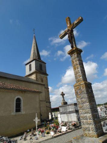 2-Eglise-Campuzan.jpg