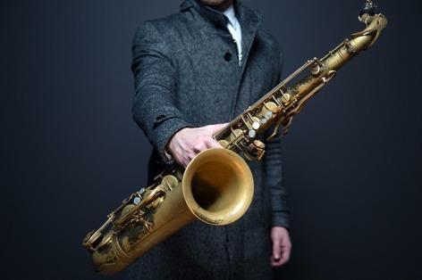 0-saxophone-918904-640.jpg