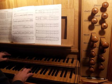 0-Clavier-jeux-orgue-eglise-cauterets.jpg