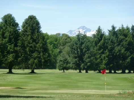 0-golf-lannemezan-Pyrenees.jpg