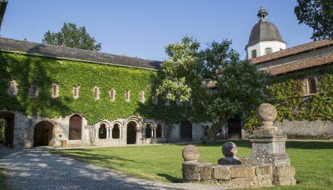 2-Abbaye-escaladieu-1536x880-2.jpg
