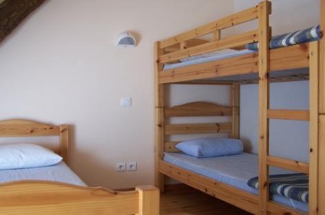 1-chambre2-moulinsdisaby-hautespyrenees-argelesgazost-2.jpg
