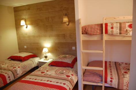 4-chambre-fredel-sazos-HautesPyrenees-2.jpg
