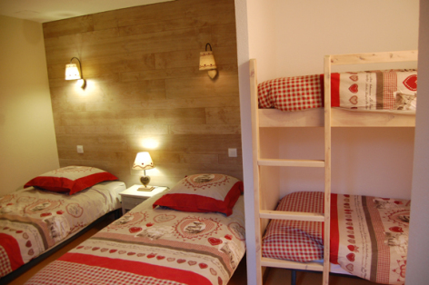9-chambre-fredel-sazos-HautesPyrenees.jpg