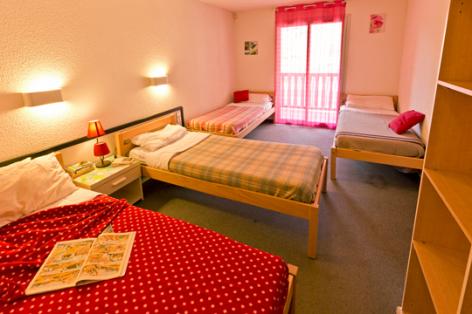 5-chambre1-hameaurollot-bareges-HautesPyrenees.jpg