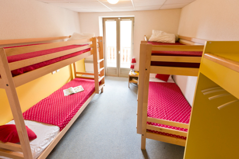 6-chambre2-hameaurollot-bareges-HautesPyrenees.jpg