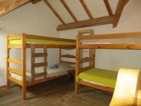 4-chambre3-grangeaubois-viella-HautesPyrenees.jpg