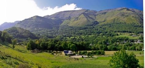 0-panorama-fermedubourdalat-ouzous-HautesPyrenees.jpg.jpg