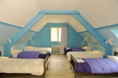2-dortoir1-fermedubourdalat-ouzous-HautesPyrenees.jpg.jpg