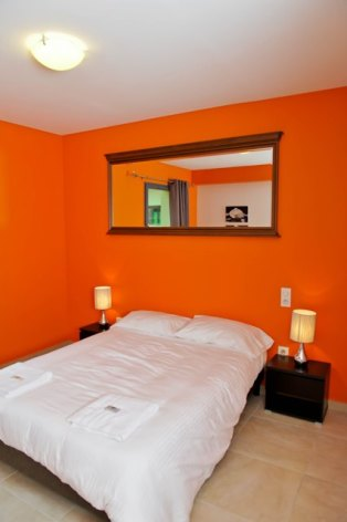 7-chambre1-fermedubourdalat-ouzous-HautesPyrenees.jpg.jpg
