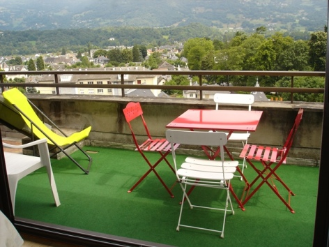 3-heres-terrasse-argelesgazost-HautesPyrenees.JPG