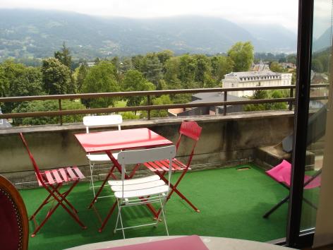 4-heres-terrasse2-argelesgazost-HautesPyrenees.JPG