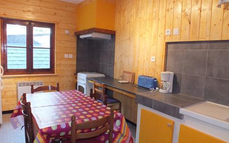 3-cuisine-lefrancois-ayzacost-HautesPyrenees-2.jpg