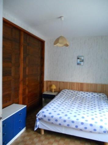 4-chambre1-lefrancois-ayzacost-HautesPyrenees.jpg
