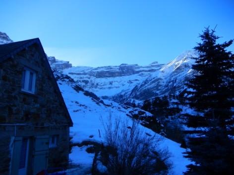 7-HPG145---Maison-mitoyenne-Le-Clos---vue-sur-le-cirque-en-hiver.jpg