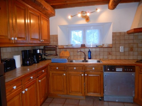 6-HPG146---Grange-Le-Clos---cuisine.jpg