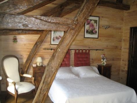 0-HPCH89---La-ferme-de-Tecouere---Chambre-Anemone2.JPG