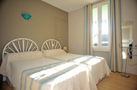 6-chambre1-appartementboyrie-argelesgazost-HautesPyrenees.jpg.JPG