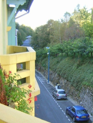 1-villa-mary-EXTERIEUR-QUARTIER-THERMAL--2--2.jpg