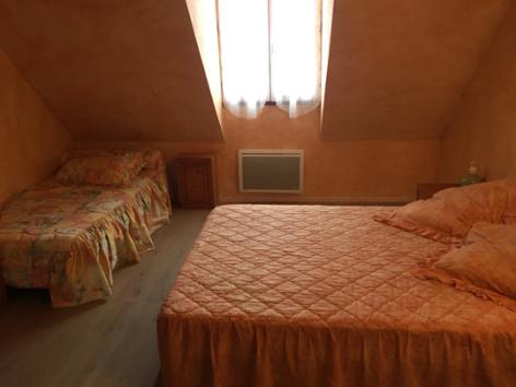 6-F-chambre1-blanc-gavarnie-HautesPyrenees.jpg