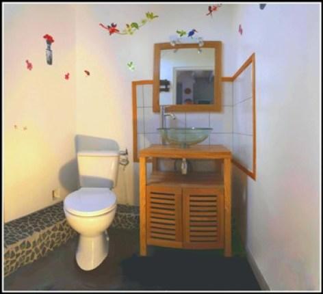 4-salle-de-bain-Clevacances-Fontan.jpg