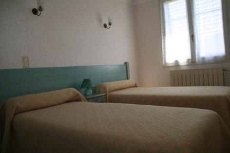 5-chambre2hautacam-abadiealbert-laubalagnas-HautesPyrenees.jpg