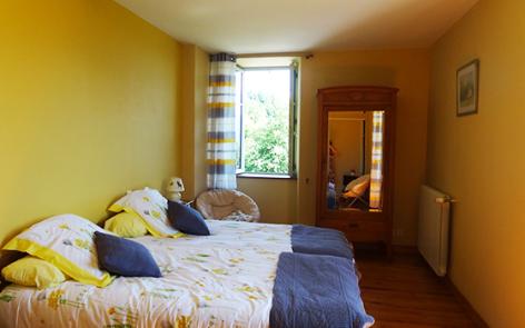 8-chambre-jeansoule-arrasenlavedan-HautesPyrenees.jpg
